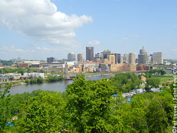 St. Paul's Skyline behind the Mississipi River