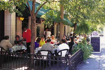 Outside dining in St. Louis can be enjoyed at one of the many cafés and restaurants located in the elegant Central West End neighborhood