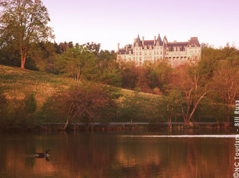 Fall color shines on the Biltmore Estate, Asheville (NC).