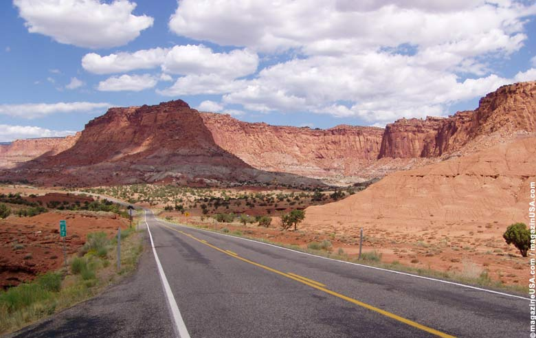 South Utah's typical landscape: this is a road in Canyonlands National Park