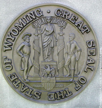 The great seal of the State of Wyoming in front of the Capitol in Cheyenne